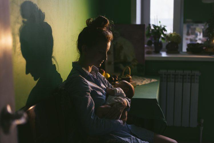 majka; roditelji; beba; majčinstvo