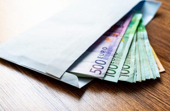 Novac, euro, evri, korupcija, mito