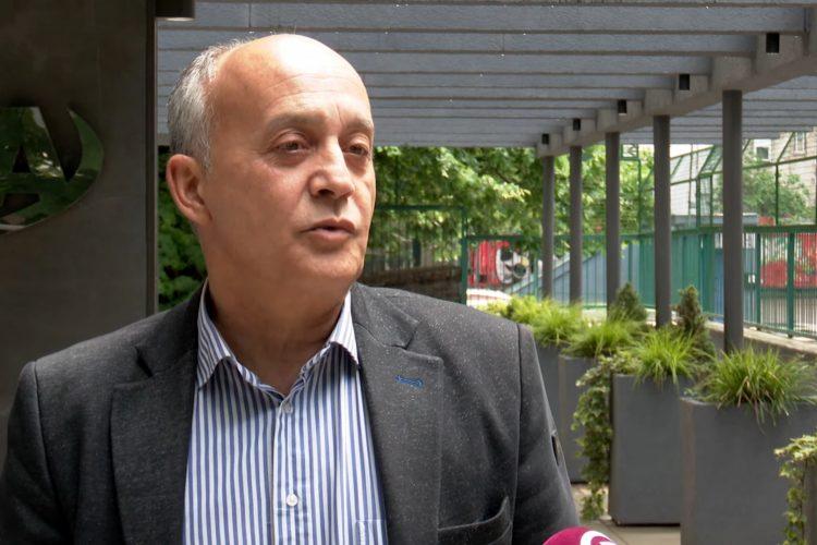 Aleksandar Seničić, YUTA, Prilog, Jesu li nam otvorena vrata za putovanja u EU, emisija Među nama, Medju nama