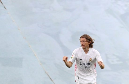 Luka Modrić produžio ugovor sa Realom