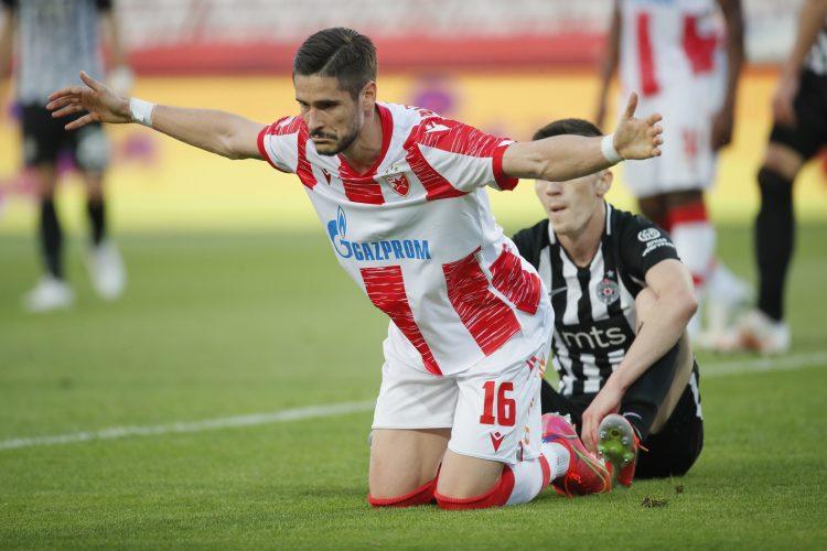 Dijego Falčineli širi ruke nakon promašaja u finalu Kupa protiv Partizana
