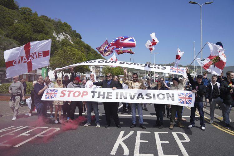 Engleska, protest