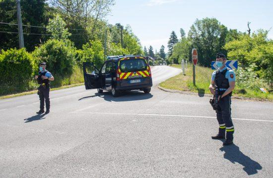 Francuska, policija, žandarmerija, potera, bivši vojnik pucao na policiju