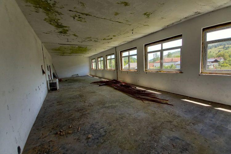 Gradac - Propada škola stara 125 godina