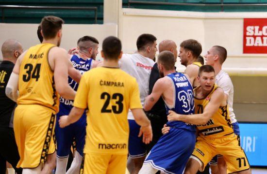 Split - Zadar, košarkaško prvenstvo Hrvatske tuča