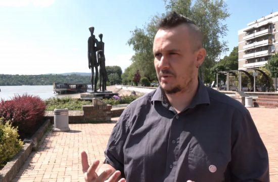Daniel Apro, novinar, pisac, Na biciklu antifašističim stazama, prilog, emisija Među nama, Medju nama