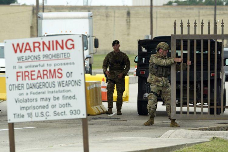Teksas, vojna baza, pucnjava