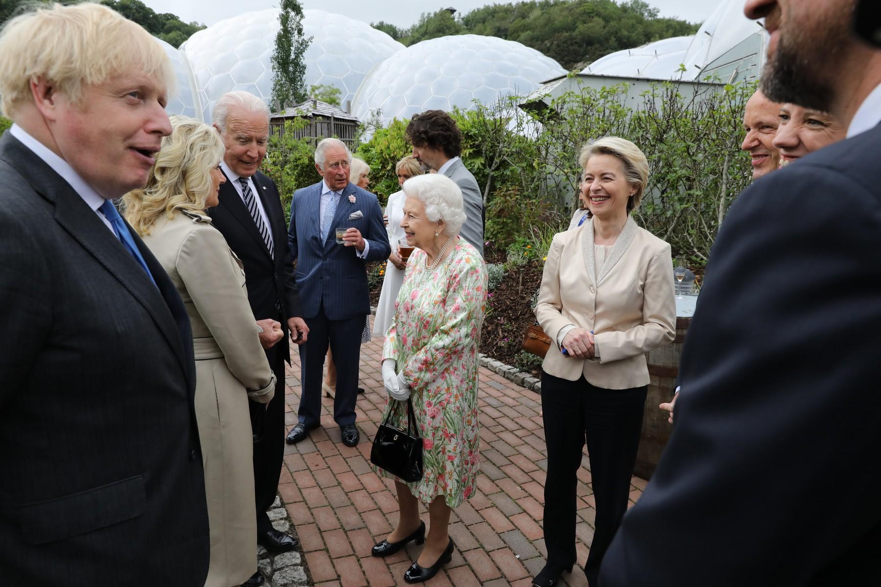 Kraljica Elizabeta i G7