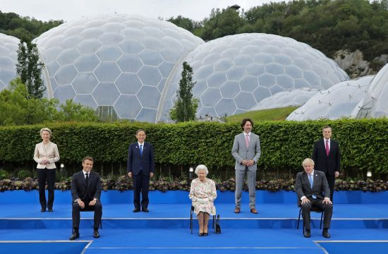 Kraljica Elizabeta, Queen Elizabeth, Angela Merkel, Ursula von der Leyen, Emmanuel Macron, Justin Trudeau, Yoshihide Suga, Mario Draghi, Charles Michel, Joe Biden