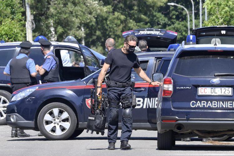 Ardea, Rim, Italija, pucnjava, policija, uviđaj, uvidjaj, hitna pomoć, karabinjeri