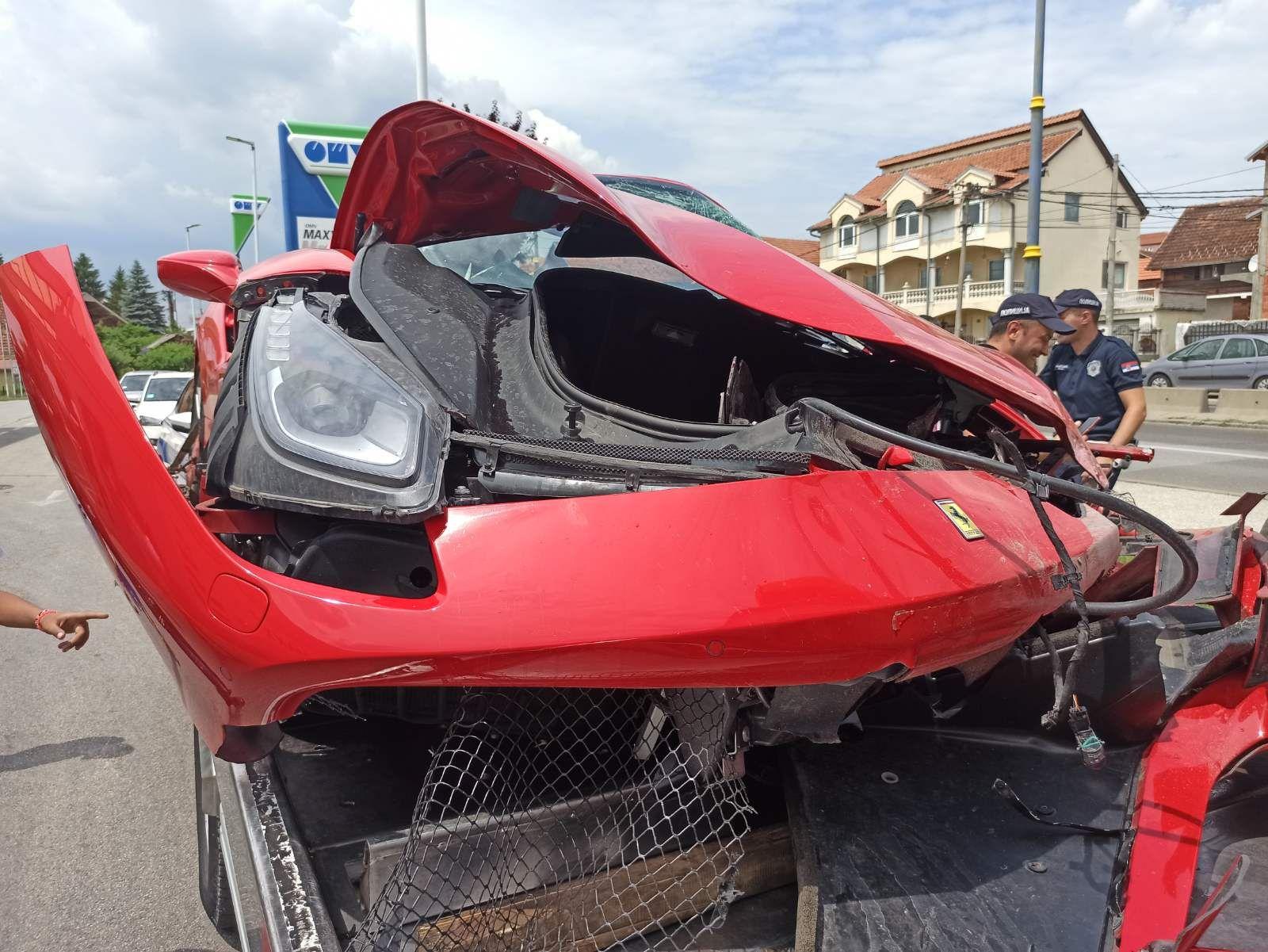 Kragujevac, slupan Ferari, saobraćajna nesreća, auto, automobil, Ferari