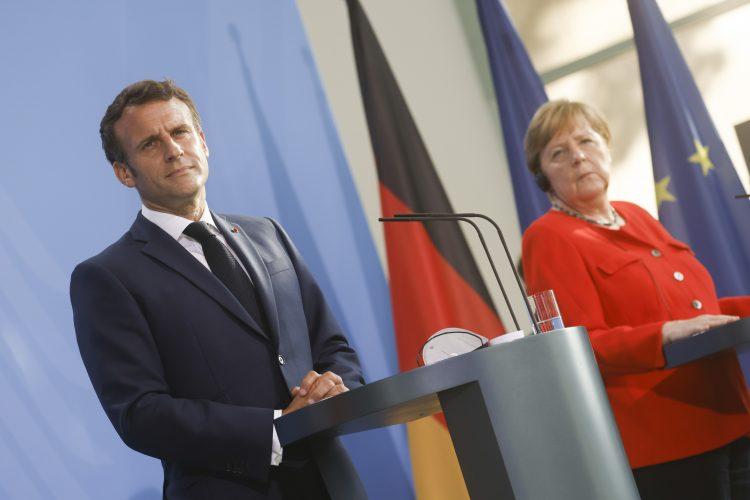 Emanuel Makron i Angela Merkel