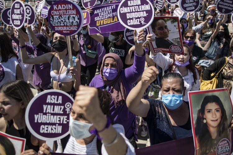Istanbul, protest, Turska, Konvencija Saveta Evrope o sprečavanju i borbe protiv nasilja nad ženama