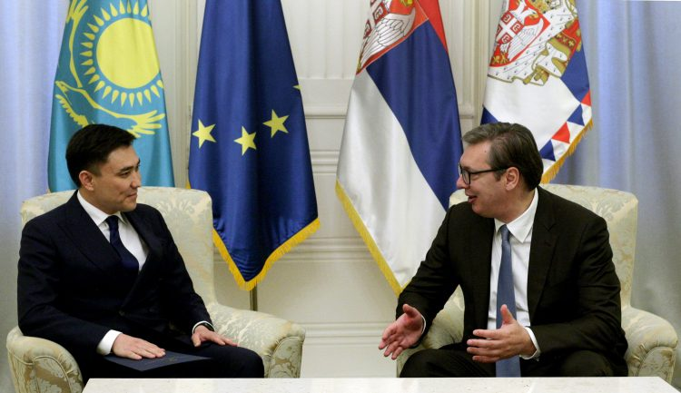 Gabit Sizdikbekov i Aleksandar Vucic