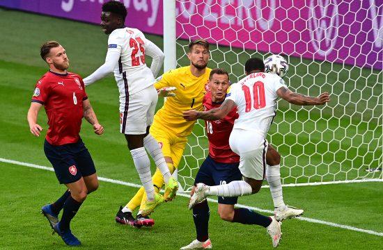 Fudbalska reprezentacija Engleske, Češke, Rahim Sterling