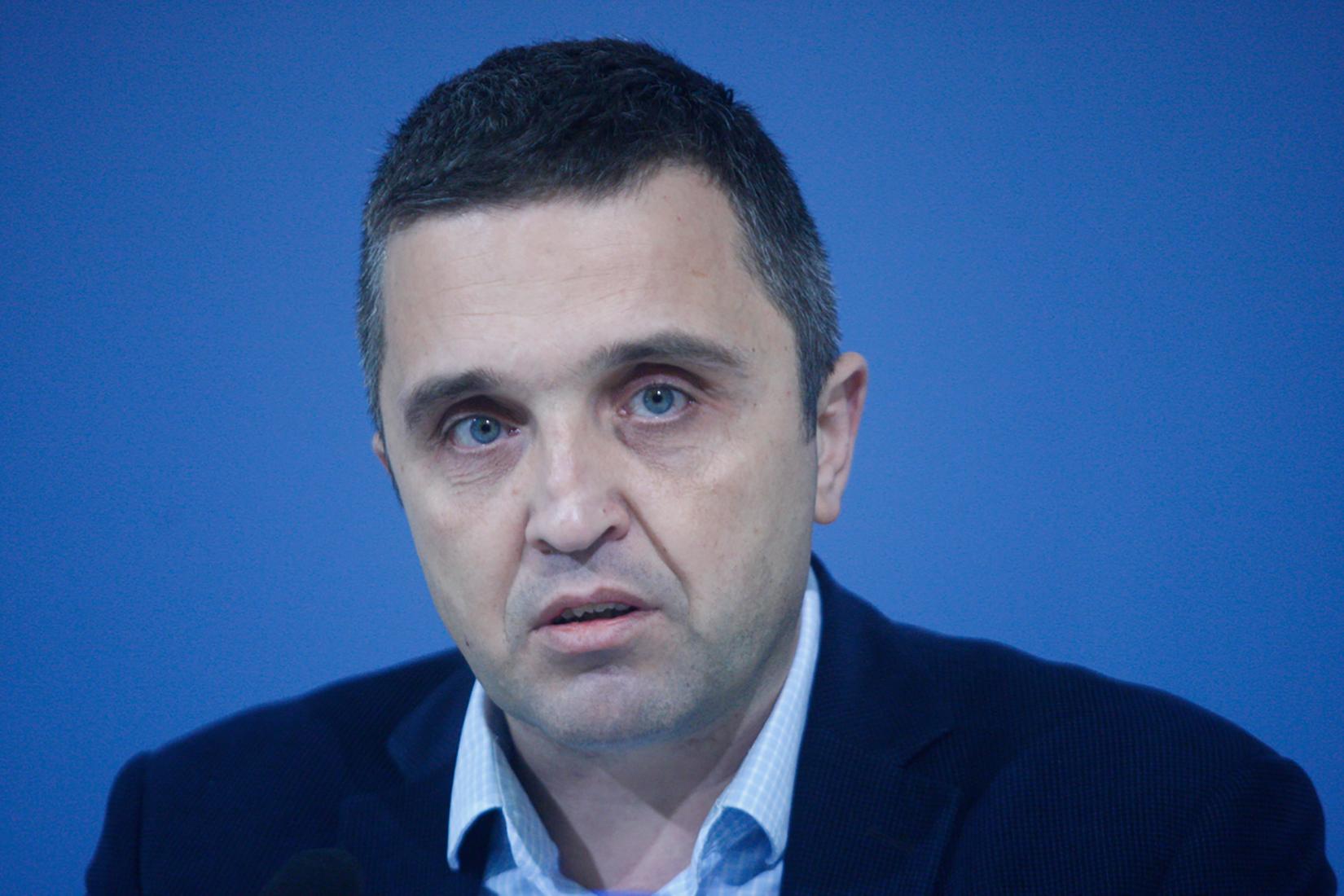 Dragan J. Vučićević