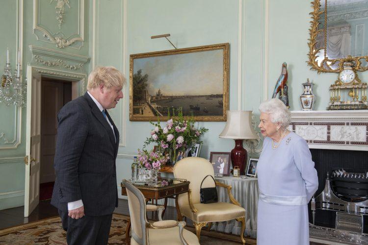 Boris Džonson, Kraljica Elizabeta Druga