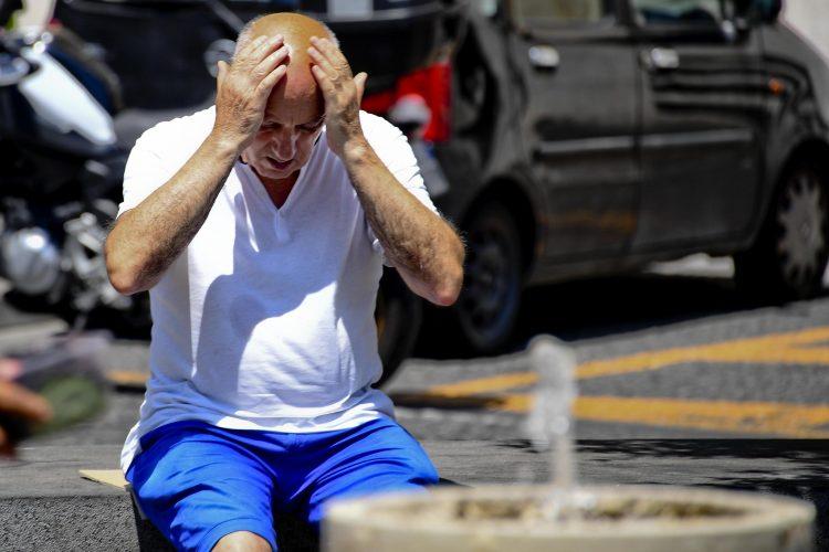 starac: muškarac; leto: vrućina