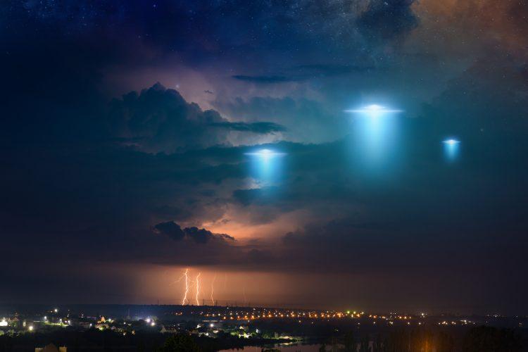 NLO, leteći tanjir, svemirski brod, vanzemaljci
