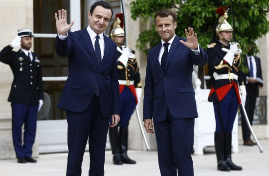 Emanuel Makron i Aljbin Kurti Emmanuel Macron Albin Kurt