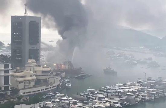 Požar Hongkong luka, marina