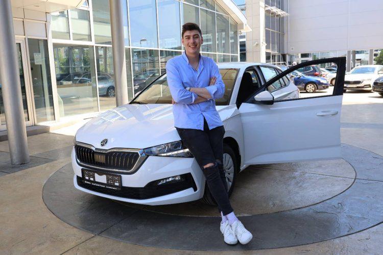 Mahir Mulalić, pobednik takmičenja Zvezda granda, automobil