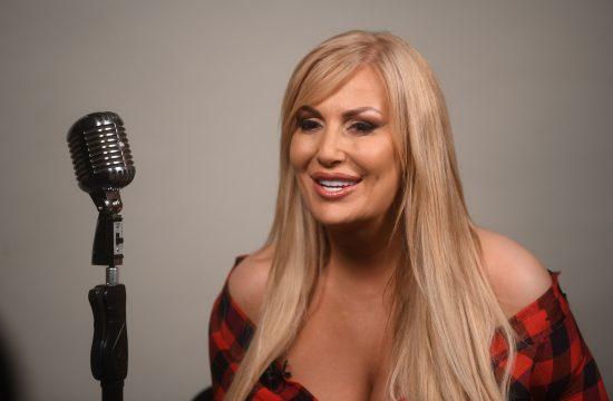 Elma Sinanović, pevačica, intervju