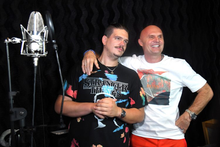 Isak Šabanović i Aleksandar Milić Mili, snimanje pesama u studiju Aleksandra Milića Milija, Zvezde Granda