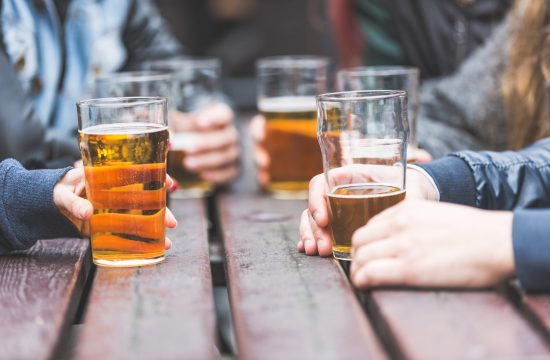 Mladi, piće, alkohol