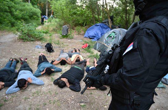 Srpski Krstur, opština Novi Kneževac, akcija Plaža, otkrivanje, hapšenje iregularnih migranata, migranti, izbeglice, policija, žandarmerija