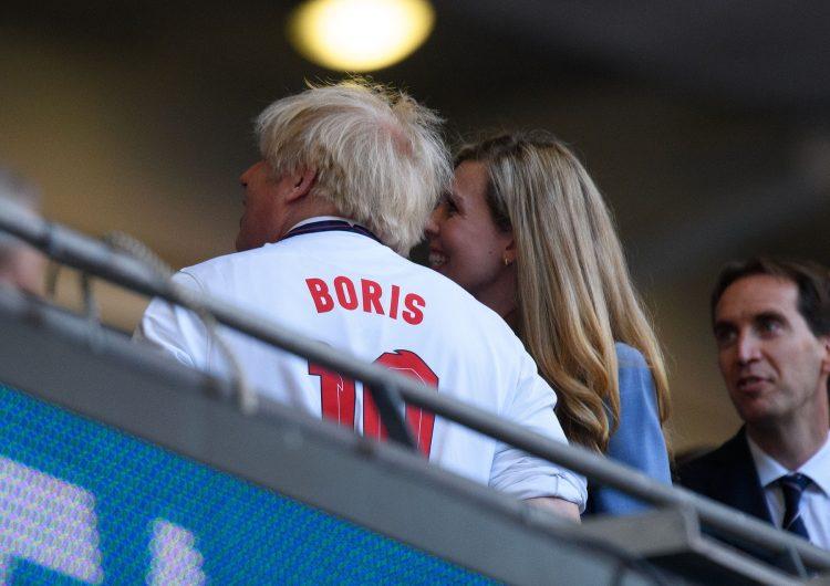 Boris Dzonson na utakmici Engleska Danska