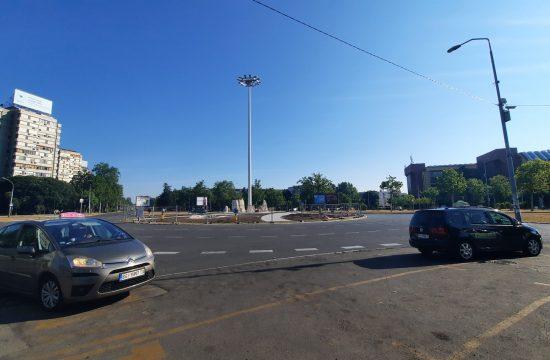 Novi Beograd, kružni tok, kamenje