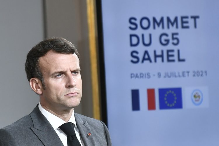 Emmanuel Macron, Emanuel Makron