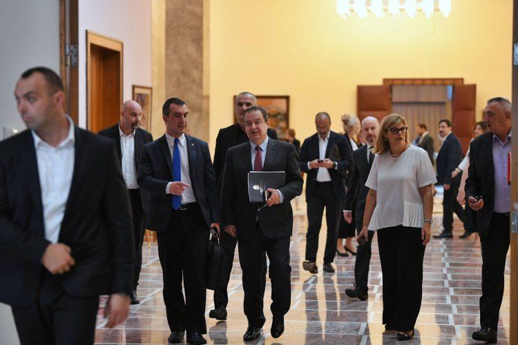 Medjustranacki dijalog opozicija vlast