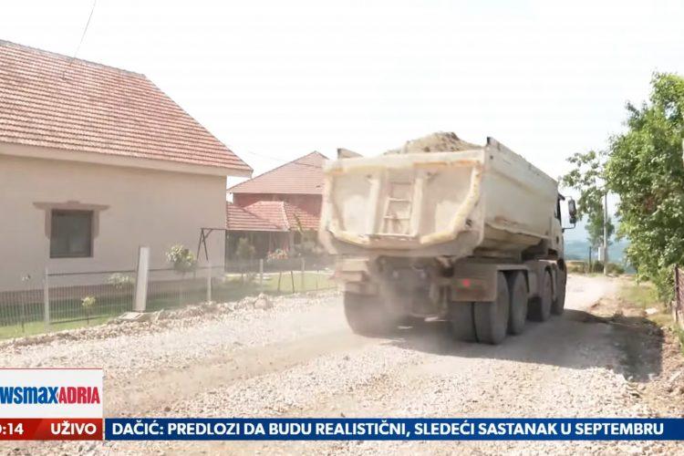 Čačak, Blokada puteva u selu Gornja Gorevnica kod Čačka zbog kamiona koji prevoze materijal za gradnju autoputa, prilog, emisija Pregled dana
