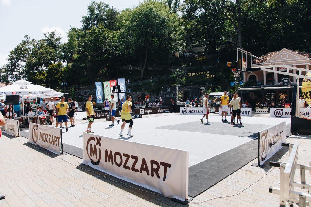 Mozzart, Mocart, PR tekst
