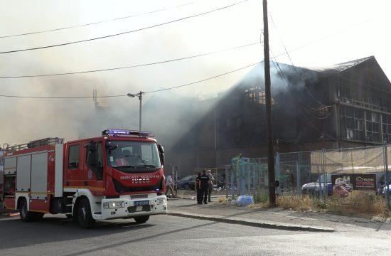 Požar u Luci Beograd