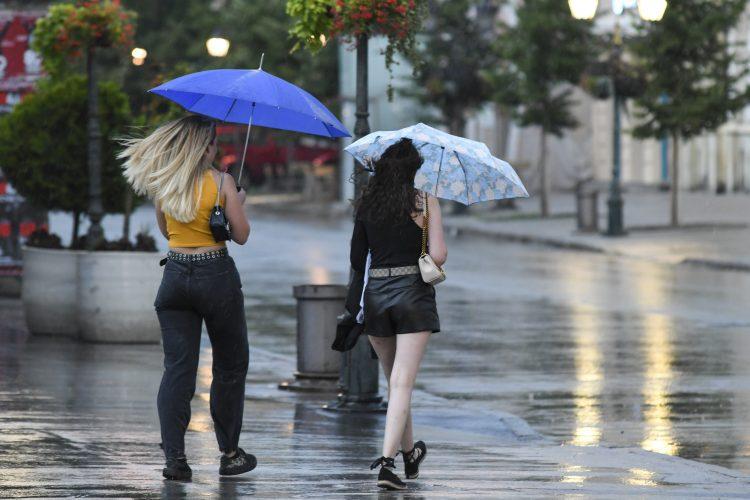 Novi Sad, Nevreme, kiša, oluja, crno nebo, letnja kiša, letnji pljusak