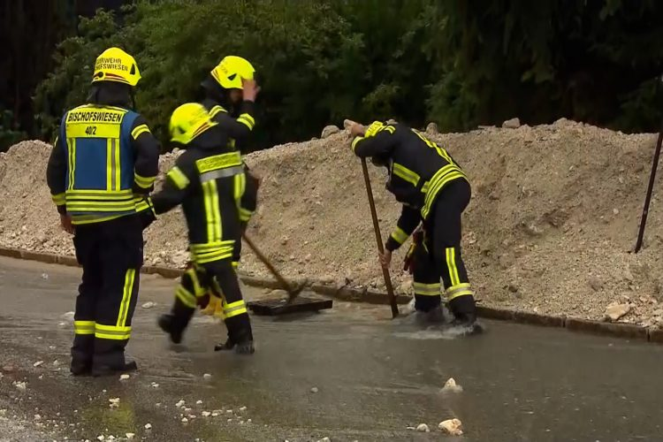 Sređivanje štete u Nemačkoj nakon poplava