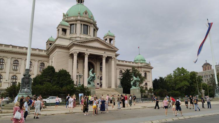 Protest ispred Skupstine Srbije