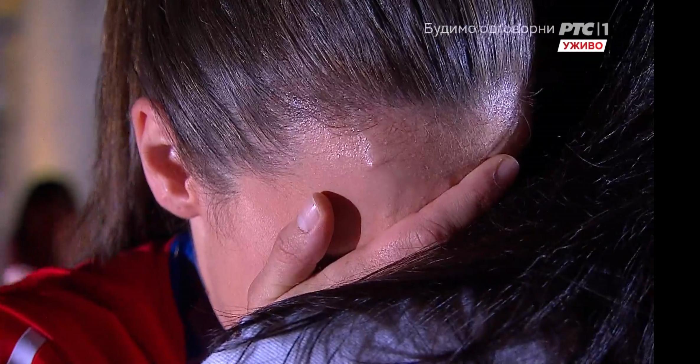 Jovana Preković plače
