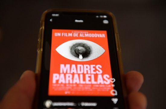 Pedro Almodovar, Madres paralelas, film