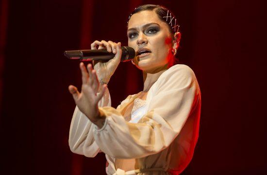 Dzesi Dzej Jessie J