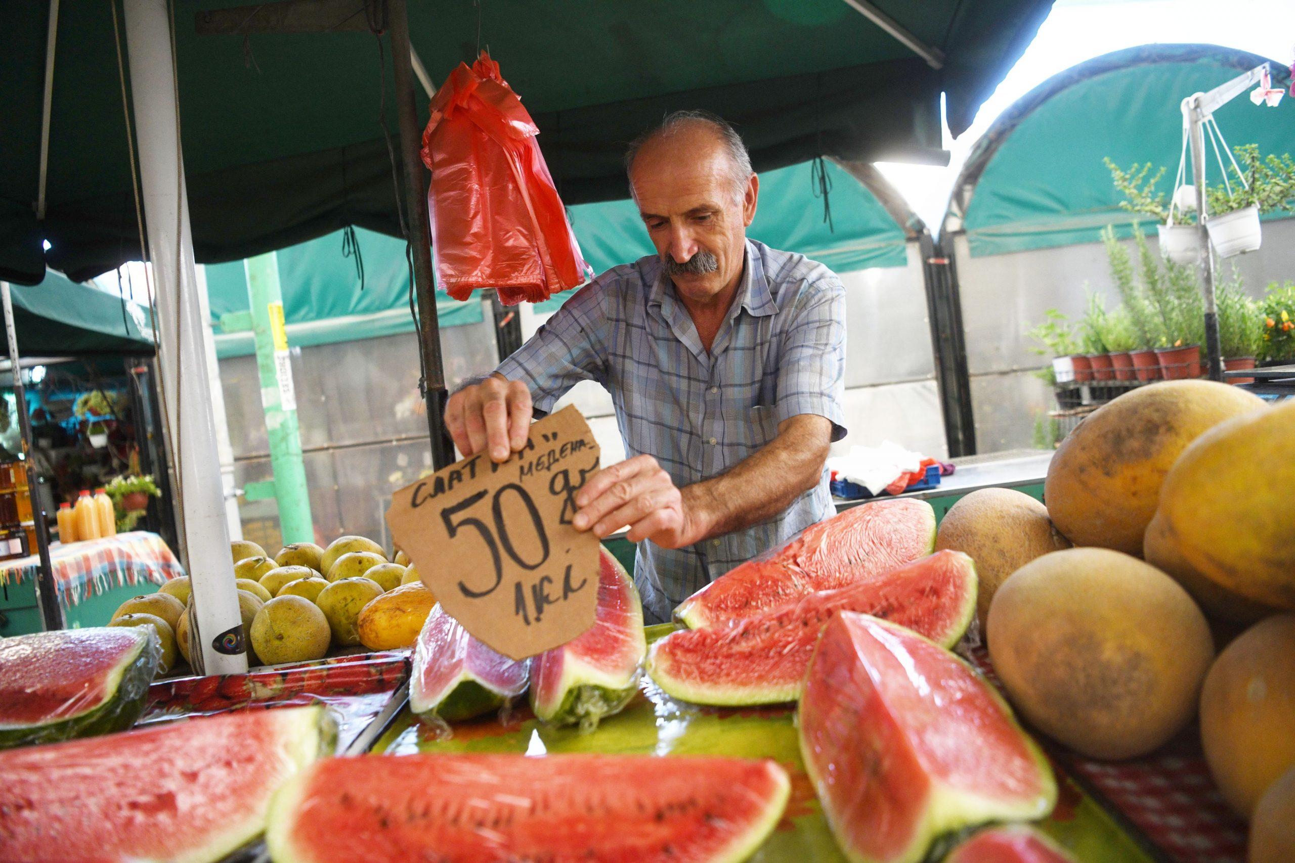 Pijaca Zeleni venac, tezga, tezge, voće, povrće