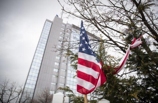 Pristina Kosovo zastava Amerika