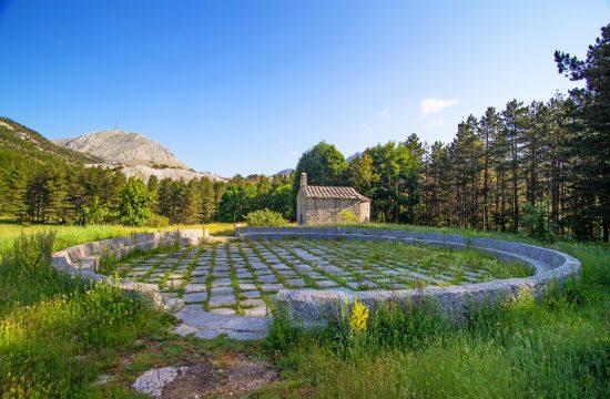 Ivanova korita, crkva, Crna Gora