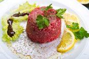 28.8. (a) Tartar biftek. Majstor amater, recept dana