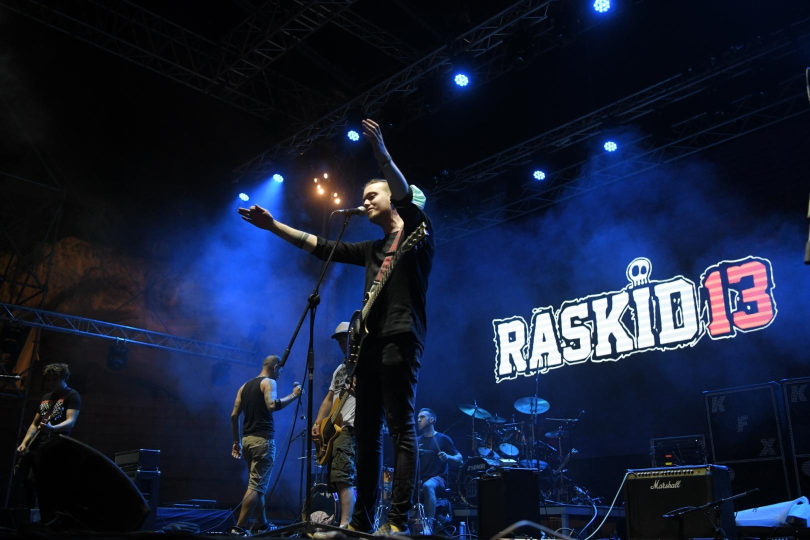 Predgrupa Raskid 13 Koncert grupe Hladno pivo na stadionu Tašmajdan, Stadion Tašmajdan