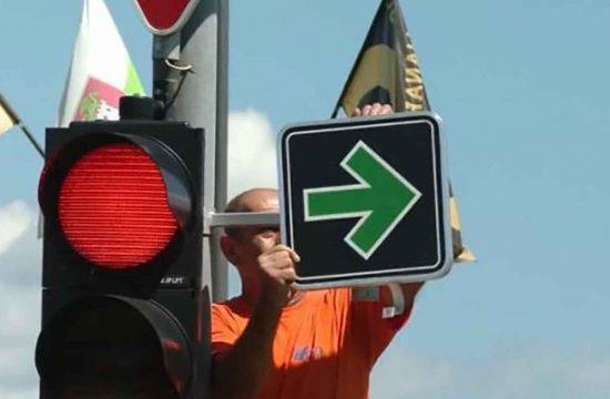 Uslov zeleno, semafor, Slovenija