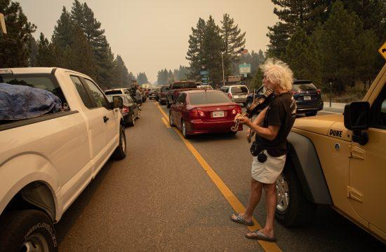 požar Kaldor, Kalifornija, avakuacija